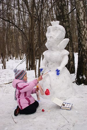Красим снеговика